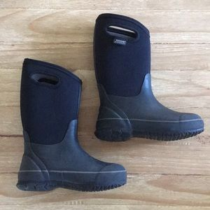 BOGS Classic High WATERPROOF Boots BLACK Youth 2